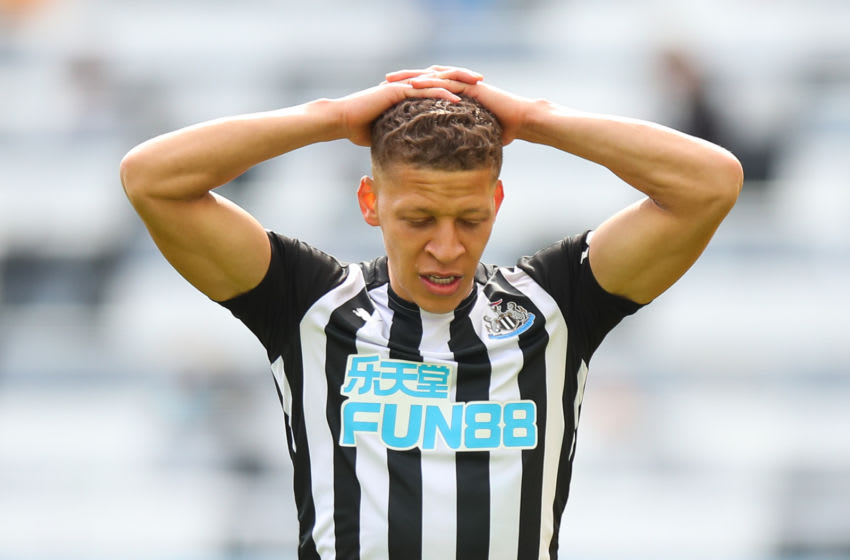 Dwight Gayle of Newcastle United. (Photo by Robbie Jay Barratt - AMA/Getty Images)
