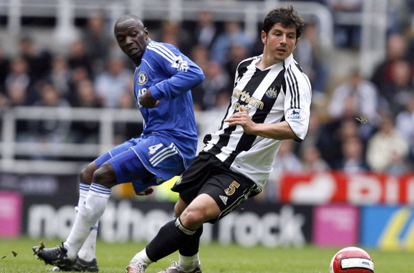 NEWCASTLE, UNITED KINGDOM: Newcastle's Emre (R) vies with Chelsea's Claude Makelele during their English Premiership football match at St James Park, Newcastle , North-east, England, 22 April 2007. AFP PHOTO/ANDREW YATES Mobile and website use of domestic English football pictures subject to subscription of a license with Football Association Premier League (FAPL) tel : +44 207 298 1656. For newspapers where the football content of the printed and electronic versions are identical, no licence is necessary. (Photo credit should read ANDREW YATES/AFP via Getty Images)