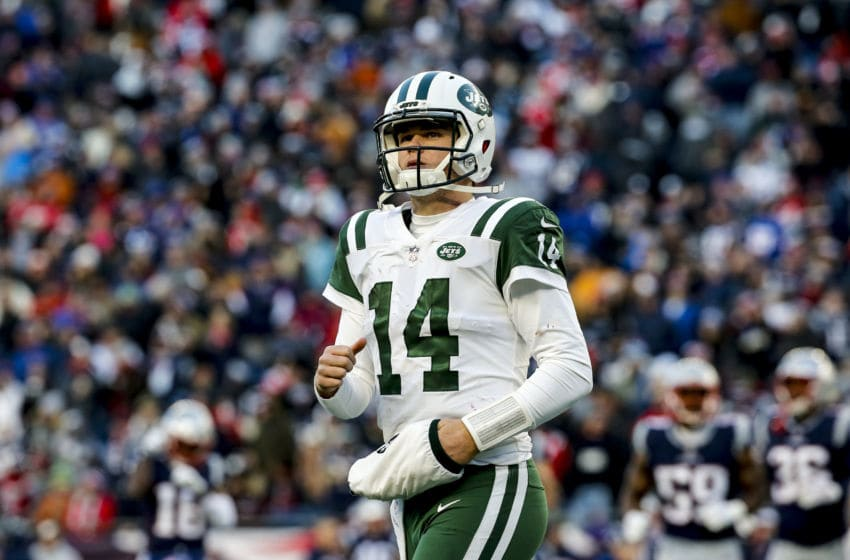 FOXBOROUGH, MASSACHUSETTS - DECEMBER 30: Sam Darnold #14 of of the New York Jets reacts during the fourth quarter of a game against the New England Patriots at Gillette Stadium on December 30, 2018 in Foxborough, Massachusetts. (Photo by Jim Rogash/Getty Images)