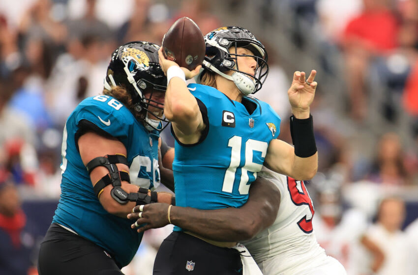 Trevor Lawrence #16 of the Jacksonville Jaguars (Photo by Carmen Mandato/Getty Images)