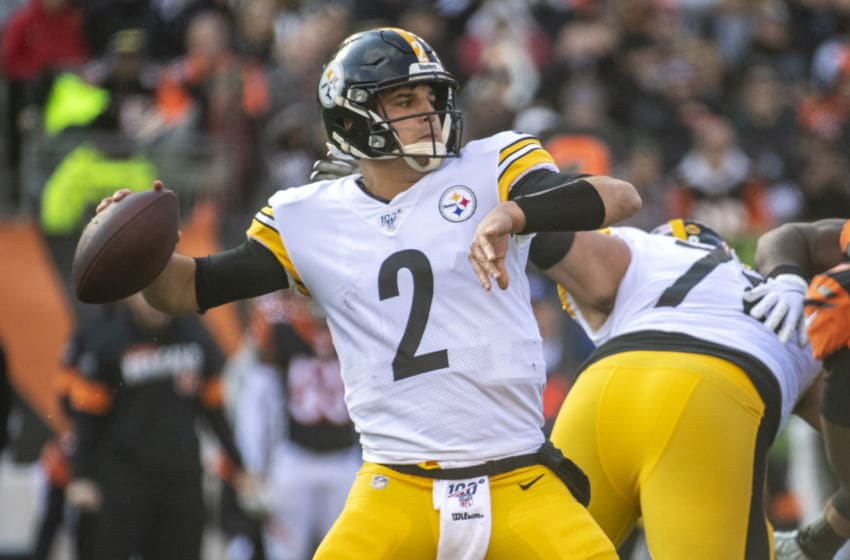 CINCINNATI, OH - NOVEMBER 24: Mason Rudolph #2 of the Pittsburgh Steelers passes the ball during the second quarter of the game against the Cincinnati Bengals at Paul Brown Stadium on November 24, 2019 in Cincinnati, Ohio. (Photo by Bobby Ellis/Getty Images)