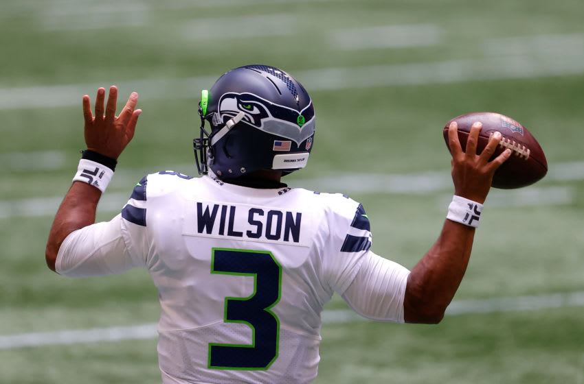ATLANTA, GEORGIA - SEPTEMBER 13: Russell Wilson #3 of the Seattle Seahawks warms up prior to facing the Atlanta Falcons at Mercedes-Benz Stadium on September 13, 2020 in Atlanta, Georgia. (Photo by Kevin C. Cox/Getty Images)