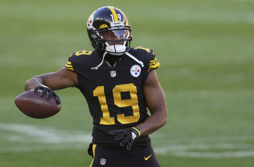 Dec 2, 2020; Pittsburgh, Pennsylvania, USA; Pittsburgh Steelers wide receiver JuJu Smith-Schuster (19) warms up before playing the Baltimore Ravens at Heinz Field. Mandatory Credit: Charles LeClaire-USA TODAY Sports