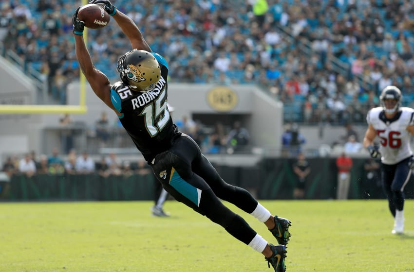 JACKSONVILLE, FL - NOVEMBER 13: Allen Robinson #15 of the Jacksonville Jaguars catches a pass against the Houston Texans during the game at EverBank Field on November 13, 2016 in Jacksonville, Florida. (Photo by Mike Ehrmann/Getty Images)