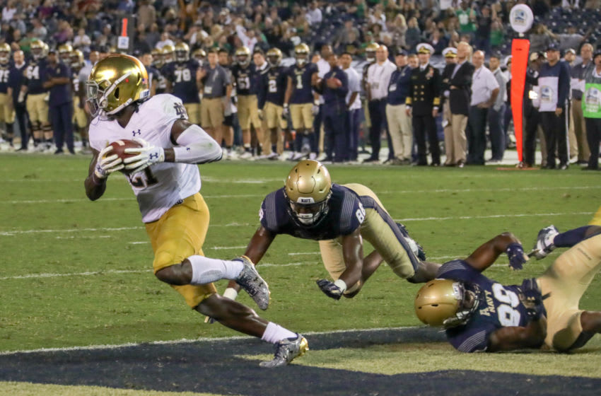 SAN DIEGO, CA - OCTOBER 27: Jalen Elliot #21 of the Notre Dame Fighting Irish runs with the ball in the 2nd half against the Navy Midshipmen at SDCCU Stadium on October 27, 2018 in San Diego, California. (Photo by Kent Horner/Getty Images)