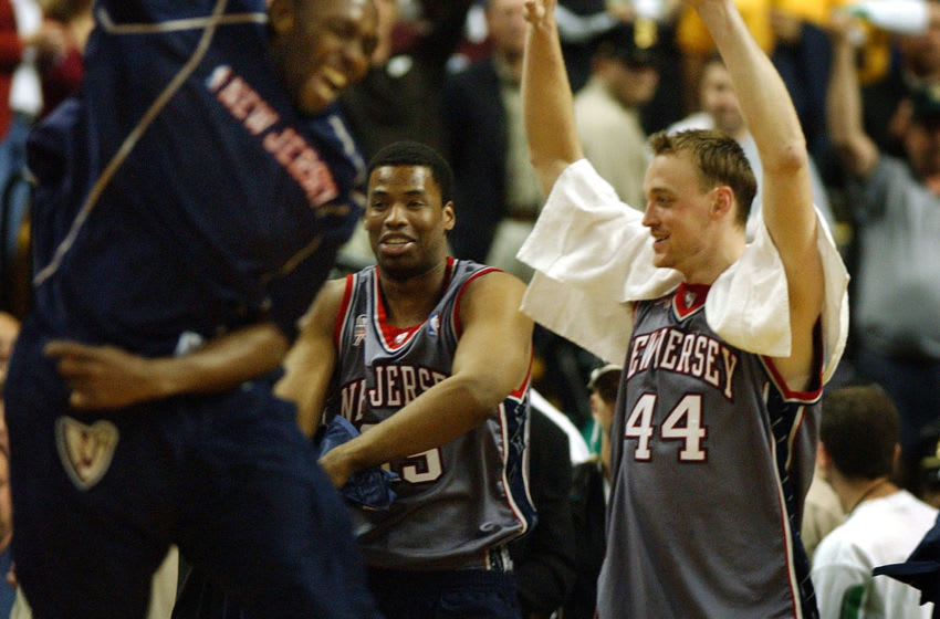 BOSTON - MAY 31: The New Jersey Nets Keith Van Horn (#44), and his teammates, including Jason Collins, next to him celebrate as time runs out on the Celtics season. Game Six of the Eastern Conference Finals, featuring the Boston Celtics and the New Jersey Nets. (Photo by Jim Davis/The Boston Globe via Getty Images)