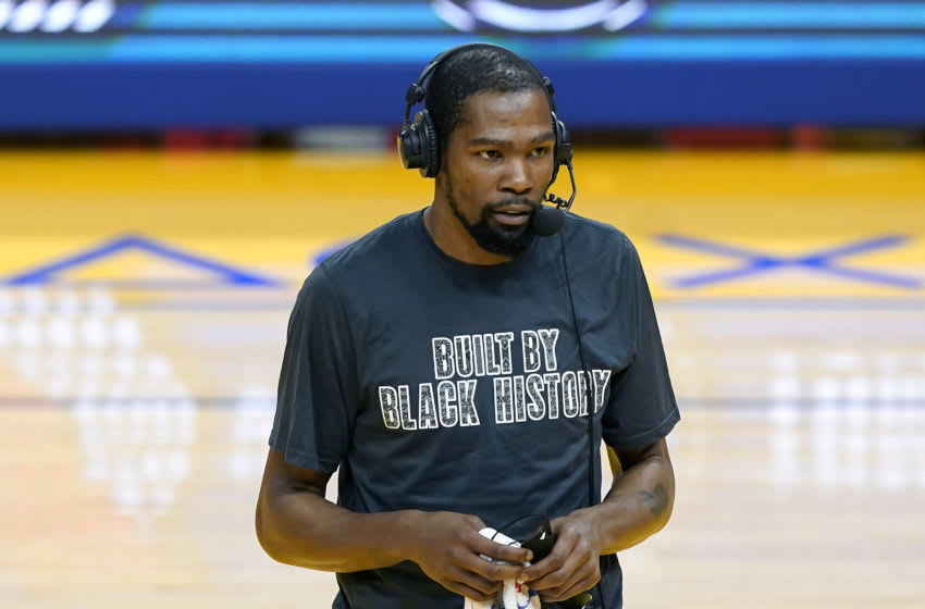 SAN FRANCISCO, CALIFORNIA - FEBRUARY 13: Kevin Durant #7 of the Brooklyn Nets (Photo by Thearon W. Henderson/Getty Images)