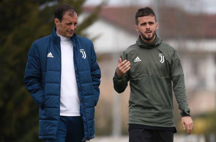 Juventus, Max Allegri, Miralem Pjanic (Photo credit should read MARCO BERTORELLO/AFP via Getty Images)
