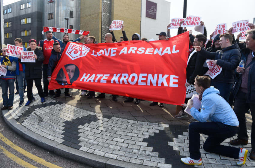 LONDON, ENGLAND - APRIL 30: Arsenal fans display a message for owner Stan Kroenke prior to the Barclays Premier League match between Arsenal and Norwich City at The Emirates Stadium on April 30, 2016 in London, England (Photo by Mike Hewitt/Getty Images)