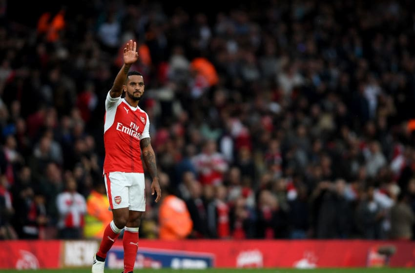 LONDON, ENGLAND - OCTOBER 15: Theo Walcott of Arsenal waves to the Arsenal fans after the final whistle during the Premier League match between Arsenal and Swansea City at Emirates Stadium on October 15, 2016 in London, England. (Photo by Mike Hewitt/Getty Images)