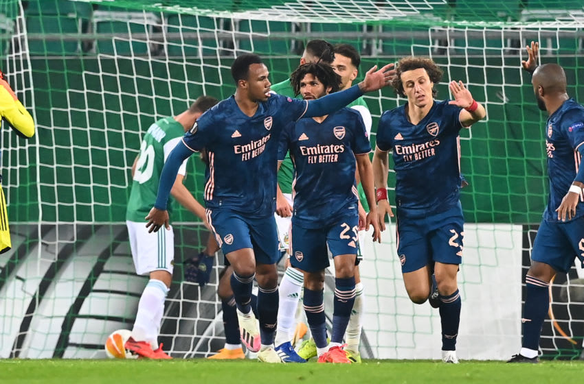 Arsenal's Brazilian defender David Luiz (2ndR) celebrates scoring with team mates during the UEFA Europa League Group B football match Rapid Wien v Arsenal in Vienna, Austria on October 22, 2020. (Photo by JOE KLAMAR / AFP) (Photo by JOE KLAMAR/AFP via Getty Images)
