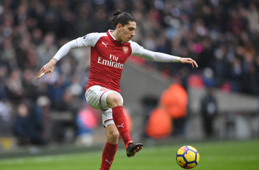 LONDON, ENGLAND - FEBRUARY 10: Hector Bellerin of Arsenal controls the ball during the Premier League match between Tottenham Hotspur and Arsenal at Wembley Stadium on February 10, 2018 in London, England. (Photo by Laurence Griffiths/Getty Images)