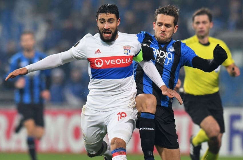 REGGIO NELL'EMILIA, ITALY - DECEMBER 07: Nabil Fekir of Olympique Lyon competes for the ball whit Rafael Toloi of Atalanta during the UEFA Europa League group E match between Atalanta and Olympique Lyon at Mapei Stadium - Citta' del Tricolore on December 7, 2017 in Reggio nell'Emilia, Italy. (Photo by Alessandro Sabattini/Getty Images)