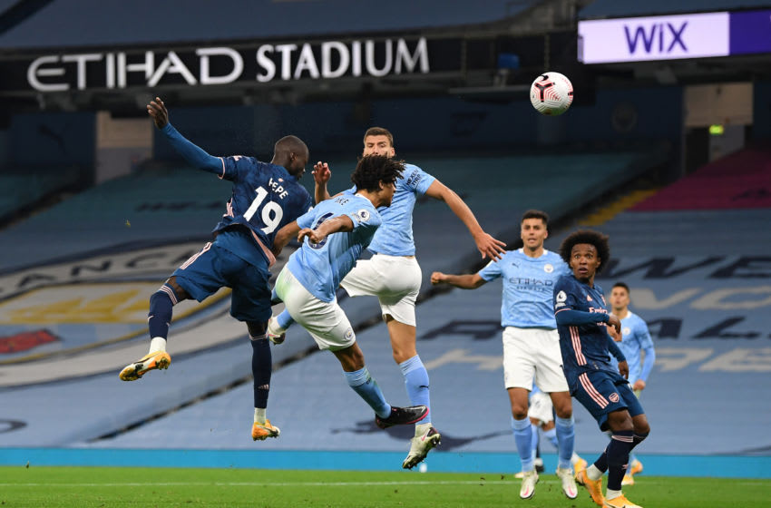 MANCHESTER, ENGLAND - OCTOBER 17: Nicolas Pepe of Arsenal heads towards goal during the Premier League match between Manchester City and Arsenal at Etihad Stadium on October 17, 2020 in Manchester, England. Sporting stadiums around the UK remain under strict restrictions due to the Coronavirus Pandemic as Government social distancing laws prohibit fans inside venues resulting in games being played behind closed doors. (Photo by Michael Regan/Getty Images)