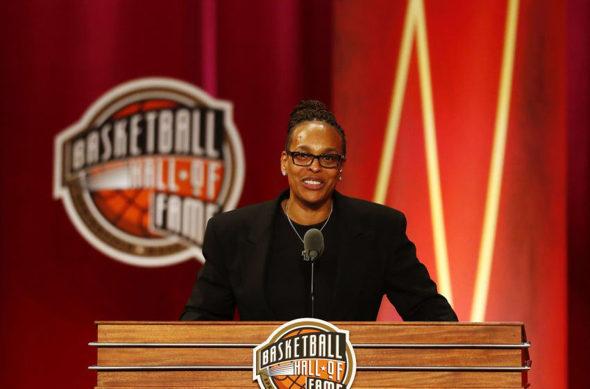 SPRINGFIELD, MASSACHUSETTS - SEPTEMBER 06: Enshrinee Teresa Weatherspoon gives her speech during the 2019 Basketball Hall of Fame Enshrinement Ceremony at Symphony Hall on September 06, 2019 in Springfield, Massachusetts. (Photo by Omar Rawlings/Getty Images)