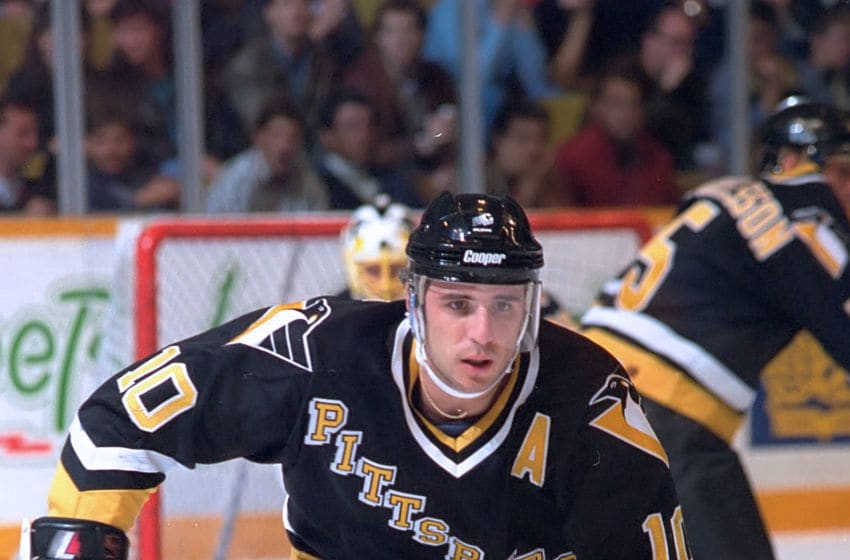 Pittsburgh Penguins, Ron Francis. (Photo by Graig Abel/Getty Images)