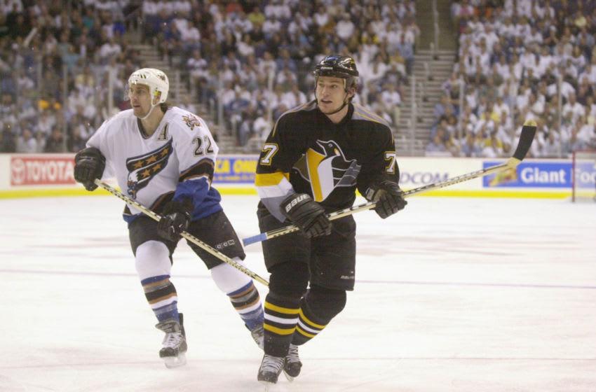 Pittsburgh Penguins, Andrew Ference. Mandatory Credit: Doug Pensinger/ALLSPORT