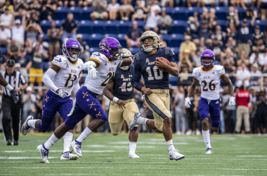 ANNAPOLIS, MD - SEPTEMBER 14: Malcom Perry #10 of the Navy Midshipmen runs the ball at Navy-Marine Corps Stadium on September 14, 2019 in Annapolis, Maryland (Photo by Benjamin Solomon/Getty Images)
