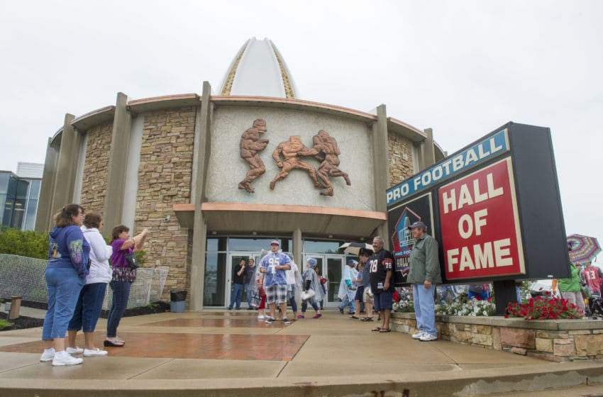 CANTON, OH - AUGUST 2: Fans take a photo outside the Hall of Fame prior to the NFL Class of 2014 Pro Football Hall of Fame Enshrinement Ceremony at Fawcett Stadium on August 2, 2014 in Canton, Ohio. (Photo by Jason Miller/Getty Images)