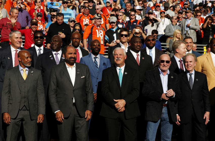 SANTA CLARA, CA - FEBRUARY 07: Past Super Bowl MVPs look on during Super Bowl 50 between the Denver Broncos and the Carolina Panthers at Levi's Stadium on February 7, 2016 in Santa Clara, California. (Photo by Ezra Shaw/Getty Images)