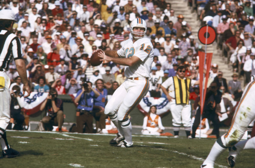 Quarterback Bob Griese of the Miami Dolphins drops back to pass during Super Bowl VII where the Dolphins defeated the Washington Redskins 14 to 7 on January 14, 1973 at Memorial Colesium in Los Angeles, California. (Photo by James Flores/Getty Images) *** Local Caption ***