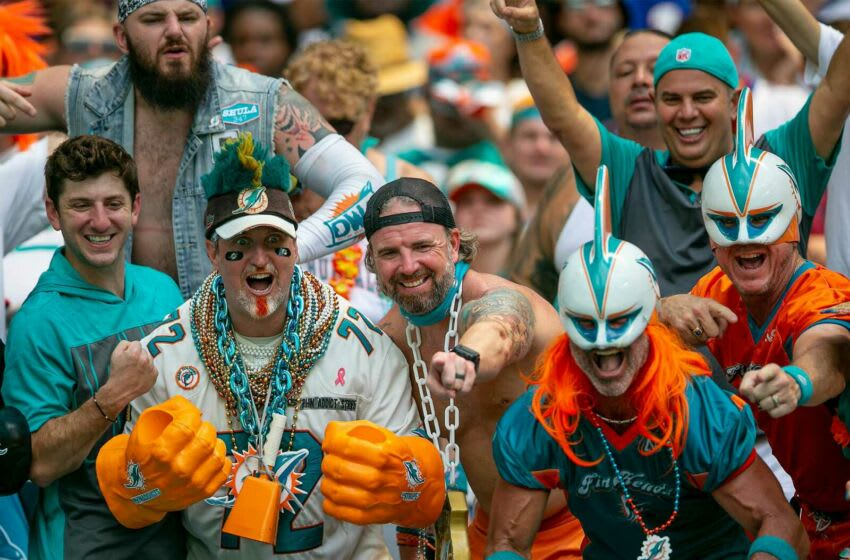 Miami Dolphins fans cheer during game against Buffalo Bills during NFL game at Hard Rock Stadium Sunday in Miami Gardens. Dolphins V Bills 20
