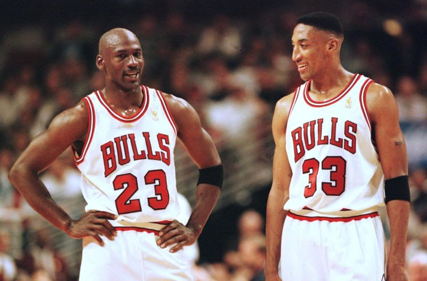 Michael Jordan, Scottie Pippen, Chicago Bulls (Photo credit should read VINCENT LAFORET/AFP via Getty Images)