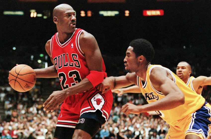 Kobe Bryant, Michael Jordan, Chicago Bulls (Photo credit should read Vince Bucci/AFP/Getty Images)