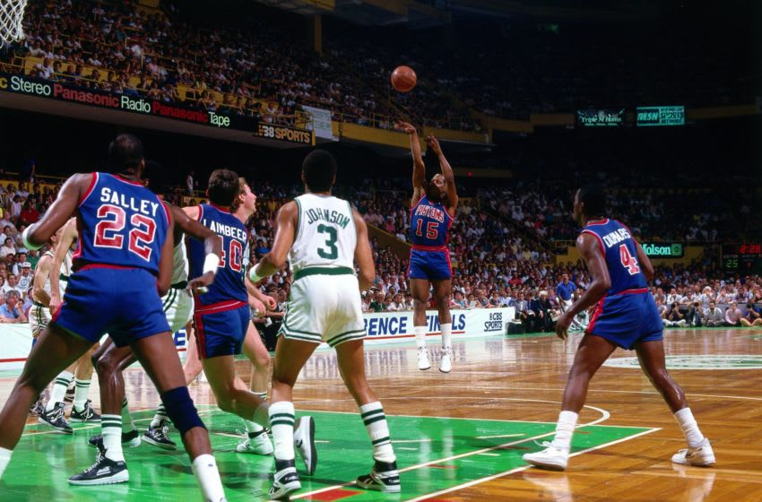 BOSTON - 1987: Vinnie Johnson #15 of the Detroit Pistons shoots a jump shot against the Boston Celtics during a game played in 1987 at the Boston Garden in Boston, Massachusetts. NOTE TO USER: User expressly acknowledges and agrees that, by downloading and or using this photograph, User is consenting to the terms and conditions of the Getty Images License Agreement. Mandatory Copyright Notice: Copyright 1987 NBAE (Photo by Dick Raphael/NBAE via Getty Images)