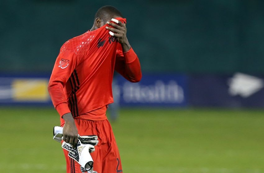 Oct 27, 2016; Washington, DC, USA; D.C. United goalkeeper Bill Hamid (28) reacts while leaving the field after D.C. United