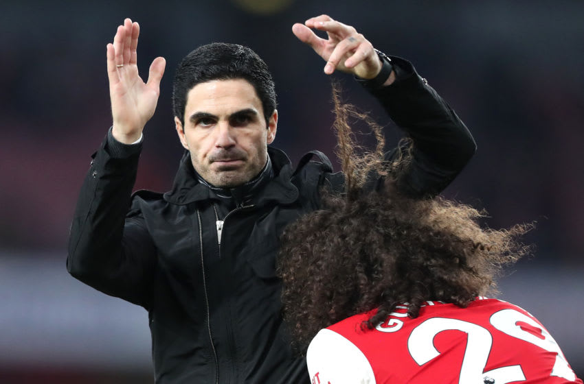 LONDON, ENGLAND - DECEMBER 29: The finger of Arsenal manager Mikel Arteta becomes tangled in the hair of Matteo Guendouzi during the Premier League match between Arsenal FC and Chelsea FC at Emirates Stadium on December 29, 2019 in London, United Kingdom. (Photo by Charlotte Wilson/Offside/Offside via Getty Images)