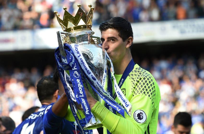 LONDON, ENGLAND - MAY 21: Thibaut Courtois of Chelsea kisses the Premier League Trophy after the Premier League match between Chelsea and Sunderland at Stamford Bridge on May 21, 2017 in London, England. (Photo by Michael Regan/Getty Images)