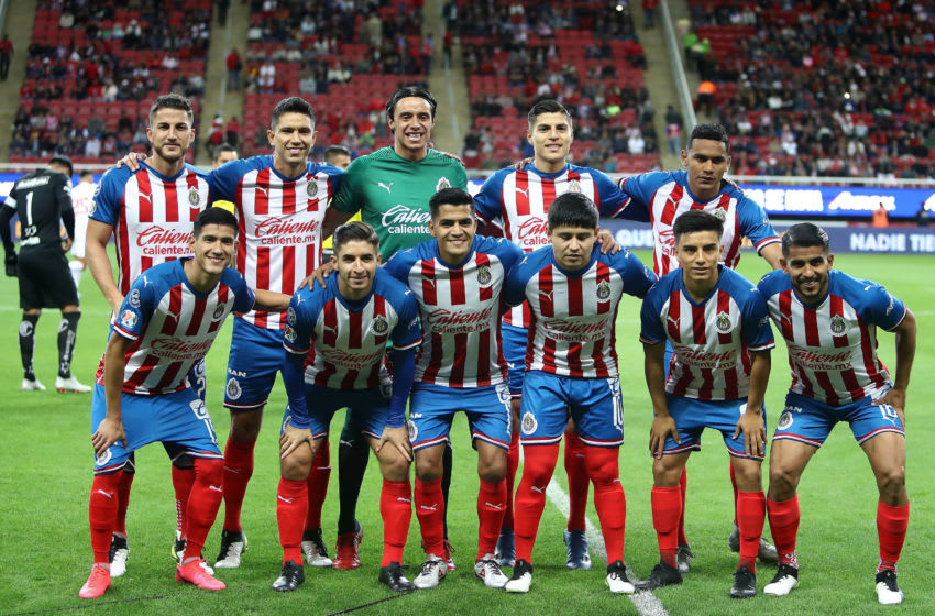 ZAPOPAN, MEXICO - JANUARY 25: Players of Chivas pose for photos prior the 3rd round match between Chivas and Toluca as part of the Torneo Clausura 2020 Liga MX at Akron Stadium on January 25, 2020 in Zapopan, Mexico. (Photo by Refugio Ruiz/Getty Images)