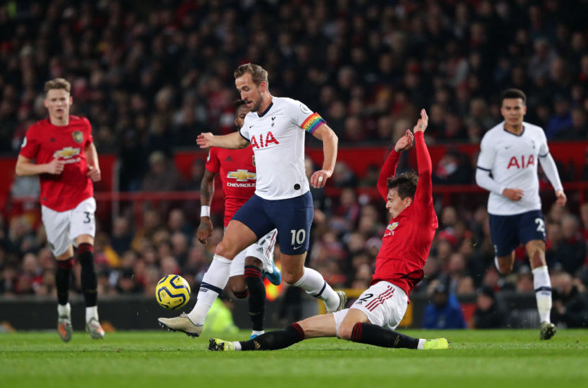 MANCHESTER, ENGLAND - DECEMBER 04: Harry Kane of Tottenham Hotspur and Victor Lindelöf of Manchester United during the Premier League match between Manchester United and Tottenham Hotspur at Old Trafford on December 4, 2019 in Manchester, United Kingdom. (Photo by Matthew Ashton - AMA/Getty Images)
