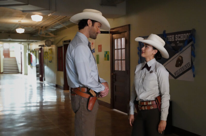 """Walker -- """"Dig"""" -- Image Number: WLK117a_0397r -- Pictured (L-R): Jared Padalecki as Cordell Walker and Lindsey Morgan as Micki Ramirez -- Photo: Rebecca Brenneman/The CW -- © 2021 The CW Network, LLC. All Rights Reserved."""