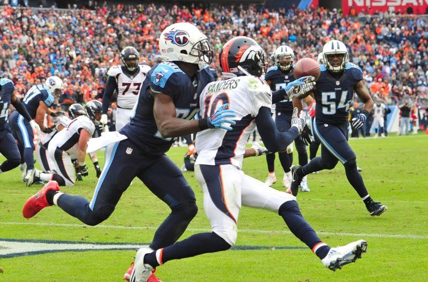 NASHVILLE, TN - DECEMBER 11: Emmanuel Sanders #10 of the Denver Broncos scores a touchdown against the Tennessee Titans during the second half at Nissan Stadium on December 11, 2016 in Nashville, Tennessee. (Photo by Frederick Breedon/Getty Images)