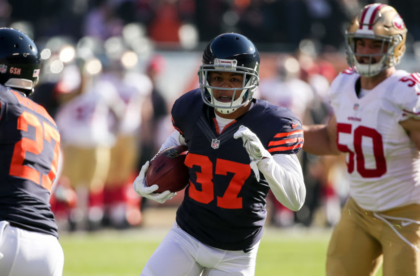 CHICAGO, IL - DECEMBER 06: Bryce Callahan #37 of the Chicago Bears carries the football toward the endzone in the first quarter against the San Francisco 49ers at Soldier Field on December 6, 2015 in Chicago, Illinois. (Photo by Jonathan Daniel/Getty Images)
