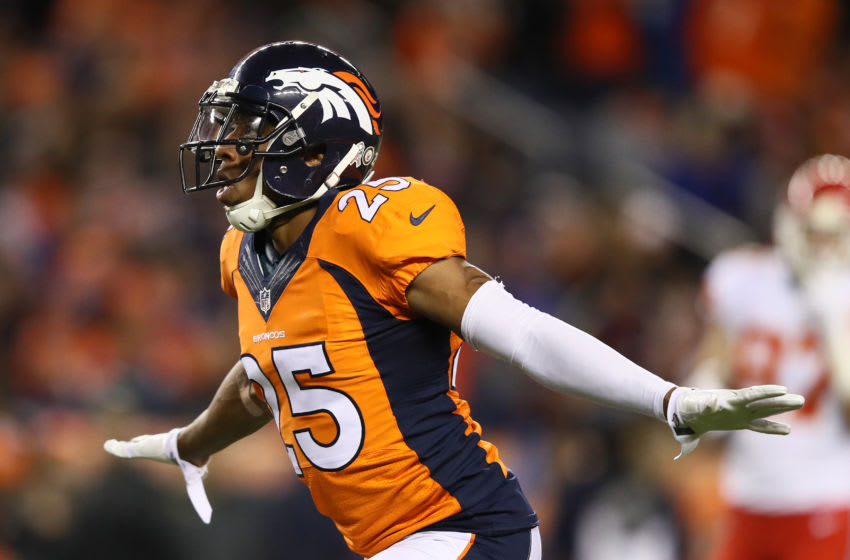 DENVER, CO - NOVEMBER 27: Cornerback Chris Harris #25 of the Denver Broncos celebrates after a play in the first quarter of the game against the Kansas City Chiefs at Sports Authority Field at Mile High on November 27, 2016 in Denver, Colorado. (Photo by Ezra Shaw/Getty Images)
