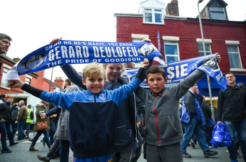 LIVERPOOL, ENGLAND - OCTOBER 30: Young Everton fans outside the ground before kick off during the Premier League match between Everton and West Ham United at Goodison Park on October 30, 2016 in Liverpool, England. (Photo by Robbie Jay Barratt - AMA/Getty Images)