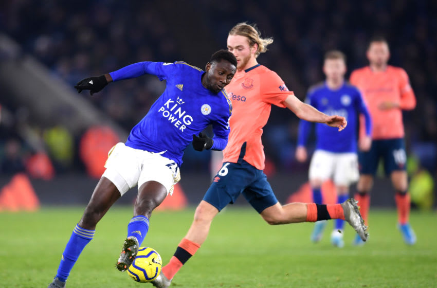 LEICESTER, ENGLAND - DECEMBER 01: Wilfred Ndidi of Leicester City battles for possession with Tom Davies of Everton during the Premier League match between Leicester City and Everton FC at The King Power Stadium on December 01, 2019 in Leicester, United Kingdom. (Photo by Laurence Griffiths/Getty Images)