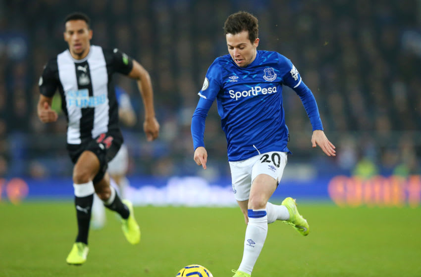 LIVERPOOL, ENGLAND - JANUARY 21: Bernard of Everton runs with the ball during the Premier League match between Everton FC and Newcastle United at Goodison Park on January 21, 2020 in Liverpool, United Kingdom. (Photo by Alex Livesey/Getty Images)