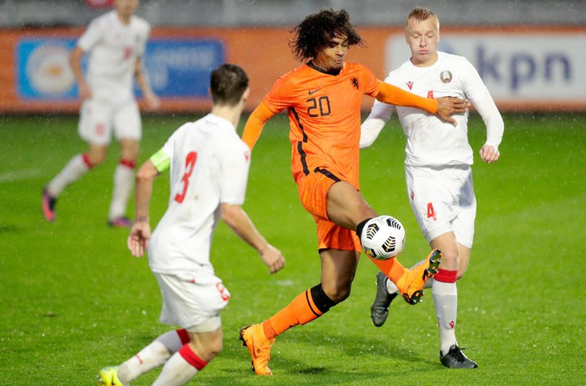 ALMERE, NETHERLANDS - NOVEMBER 15: (L-R) Joshua Zirkzee of Holland U21, Artsiom Shkurdziuk of Belarus U21 during the U21 Men match between Holland v Belarus at the Yanmar Stadium on November 15, 2020 in Almere Netherlands (Photo by Peter Lous/Soccrates/Getty Images)