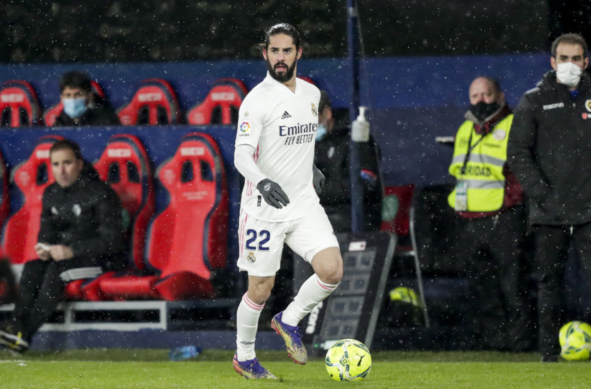 PAMPLONA, SPAIN - JANUARY 9: Isco of Real Madrid during the La Liga Santander match between Osasuna v Real Madrid at the Estadio El Sadar on January 9, 2021 in Pamplona Spain (Photo by David S. Bustamante/Soccrates/Getty Images)