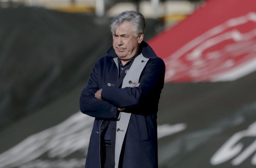 SOUTHAMPTON, ENGLAND - OCTOBER 25: Carlo Ancelotti of Everton during the Premier League match between Southampton and Everton at St Mary's Stadium on October 25, 2020 in Southampton, England. Sporting stadiums around the UK remain under strict restrictions due to the Coronavirus Pandemic as Government social distancing laws prohibit fans inside venues resulting in games being played behind closed doors. (Photo by Robin Jones/Getty Images)