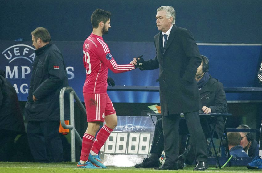 (L-R) Isco of Real Madrid, coach Carlo Ancelotti of Real Madrid during the round of 16 UEFA Champions League match between Schalke 04 and Real Madrid on February 18, 2015 at the Veltins Arena in Gelsenkirchen, Germany.(Photo by VI Images via Getty Images)