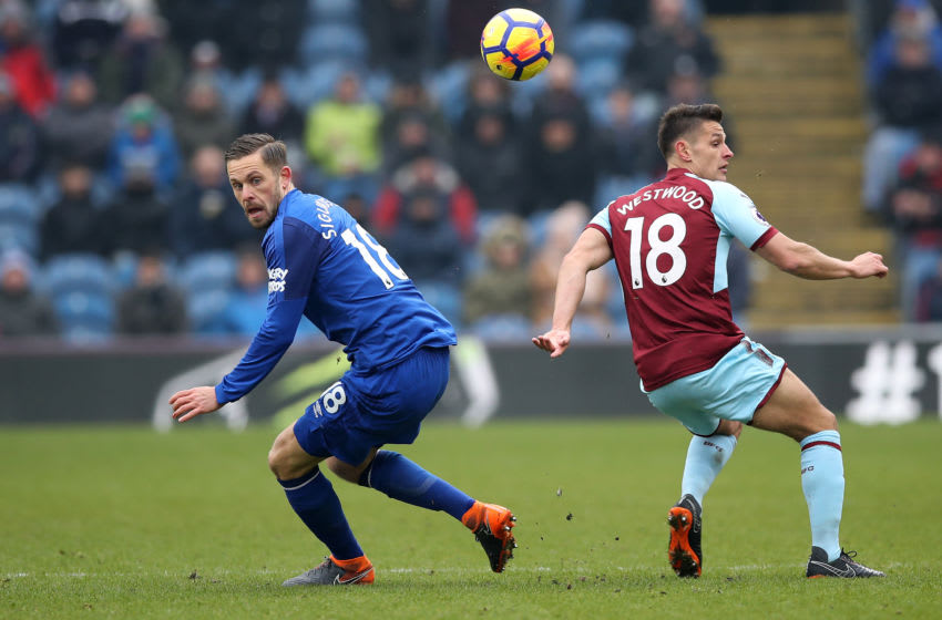 BURNLEY, ENGLAND - MARCH 03: Ashley Westwood of Burnley and Gylfi Sigurdsson of Everton during the Premier League match between Burnley and Everton at Turf Moor on March 3, 2018 in Burnley, England. (Photo by Lynne Cameron/Getty Images)