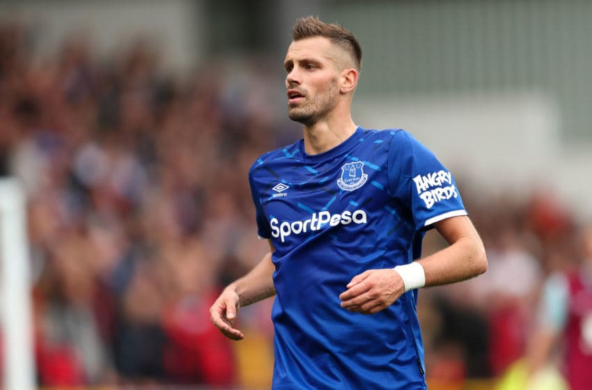 BURNLEY, ENGLAND - OCTOBER 05: Morgan Schneiderlin of Everton during the Premier League match between Burnley FC and Everton FC at Turf Moor on October 5, 2019 in Burnley, United Kingdom. (Photo by James Williamson - AMA/Getty Images)
