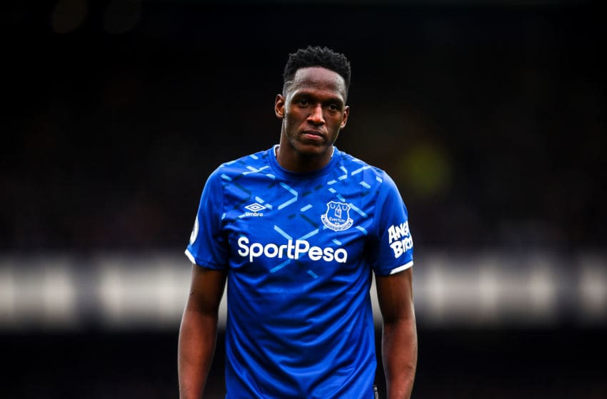 LIVERPOOL, ENGLAND - OCTOBER 19: Yerry Mina of Everton during the Premier League match between Everton FC and West Ham United at Goodison Park on October 19, 2019 in Liverpool, United Kingdom. (Photo by Robbie Jay Barratt - AMA/Getty Images)