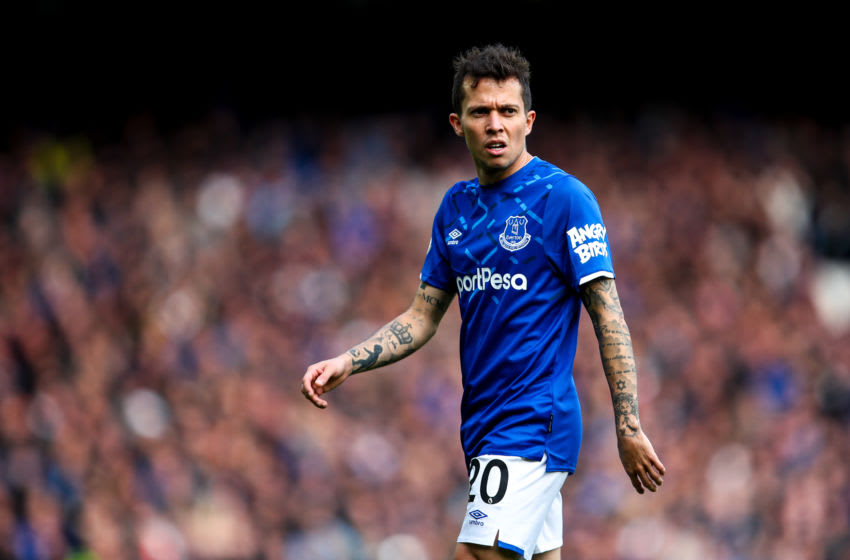 LIVERPOOL, ENGLAND - OCTOBER 19: Bernard of Everton during the Premier League match between Everton FC and West Ham United at Goodison Park on October 19, 2019 in Liverpool, United Kingdom. (Photo by Robbie Jay Barratt - AMA/Getty Images)