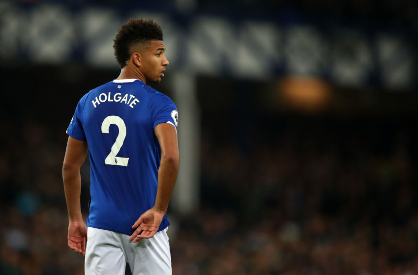 LIVERPOOL, ENGLAND - NOVEMBER 03: Mason Holgate of Everton during the Premier League match between Everton FC and Tottenham Hotspur at Goodison Park on November 3, 2019 in Liverpool, United Kingdom. (Photo by Robbie Jay Barratt - AMA/Getty Images)